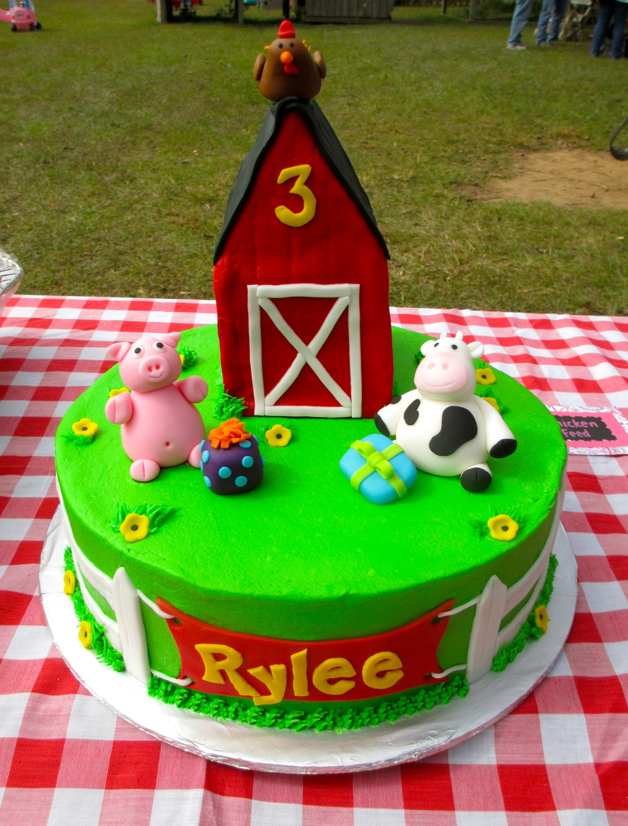 Rylee's Barnyard Cake on Cake Central