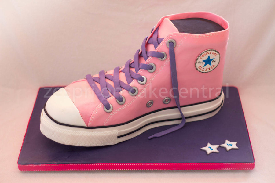 Converse Chuck Taylor Shoe on Cake Central