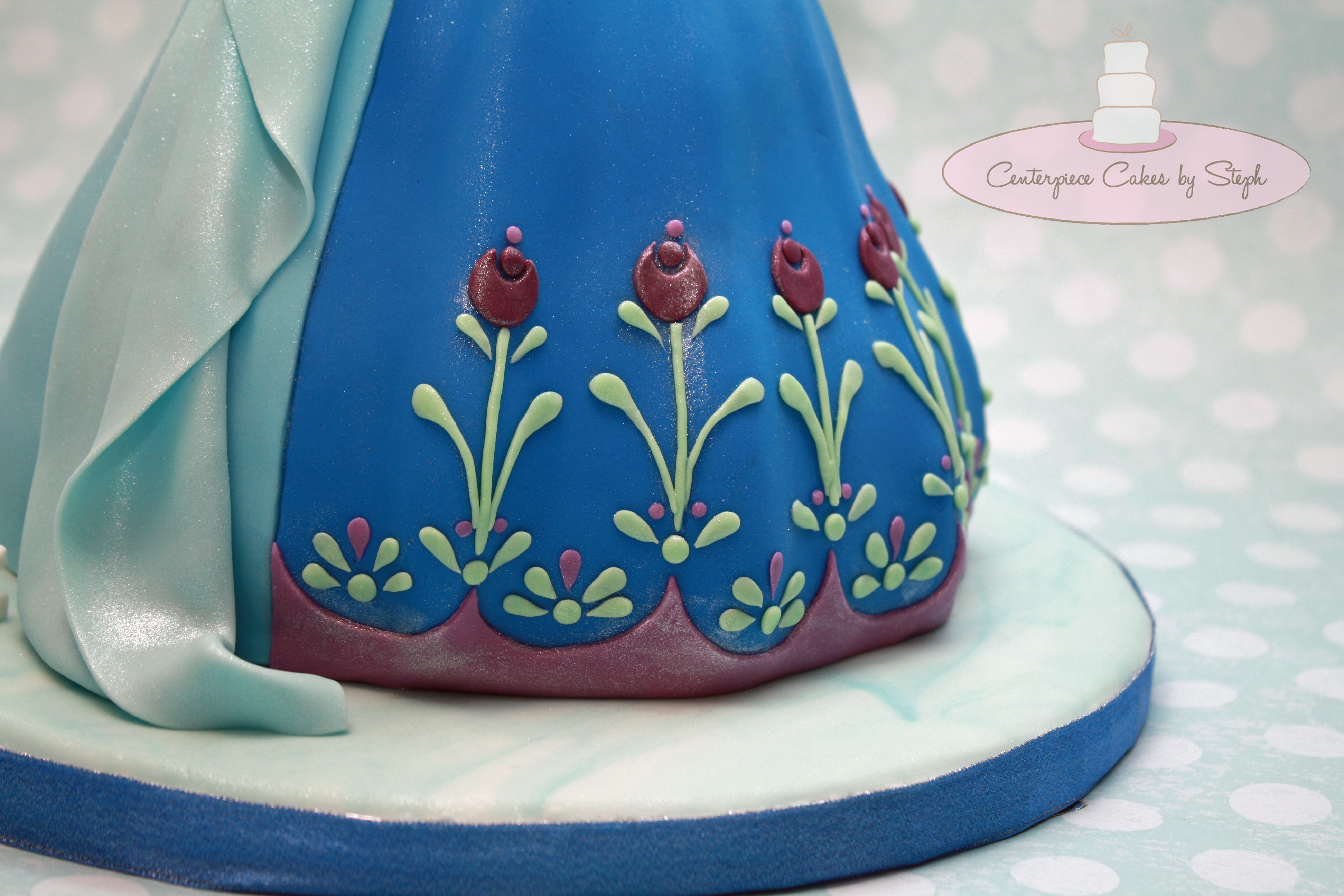 Elsa And Anna Double Doll Cake Cakecentral Com