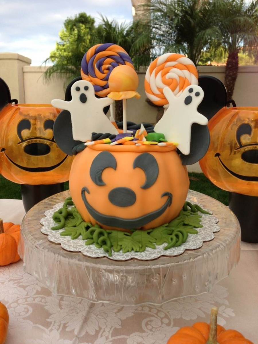 Mickey Trick-Or-Treat Pumpkin on Cake Central
