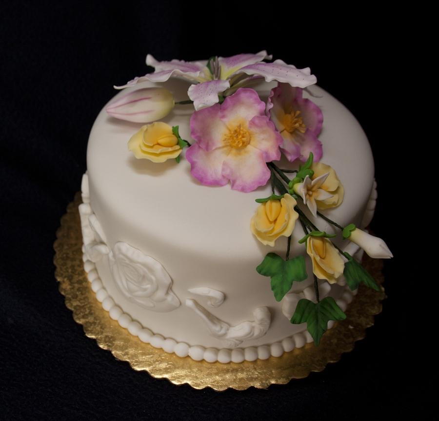 Wilton Cake Classes Hemet Ca : Wilton 4 Class Cake - CakeCentral.com