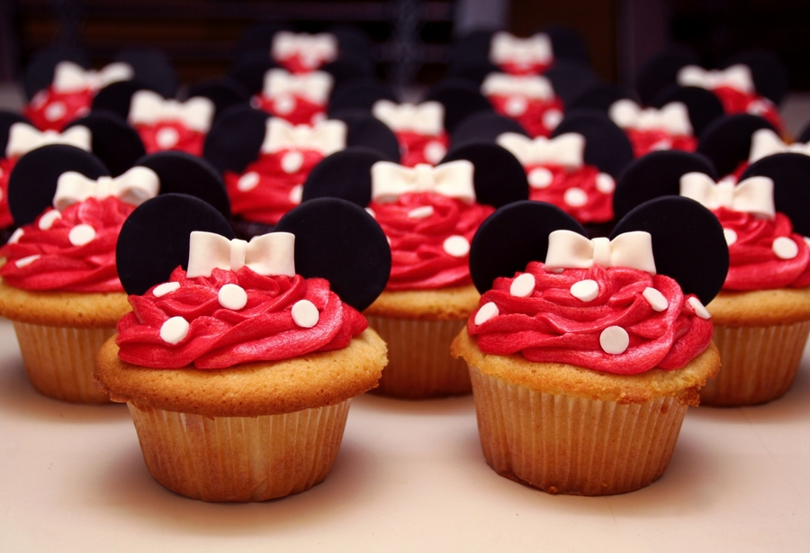 Classic Minnie Cupcakes on Cake Central