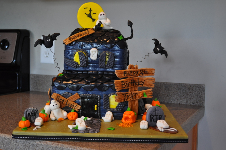 Haunted House Cake on Cake Central