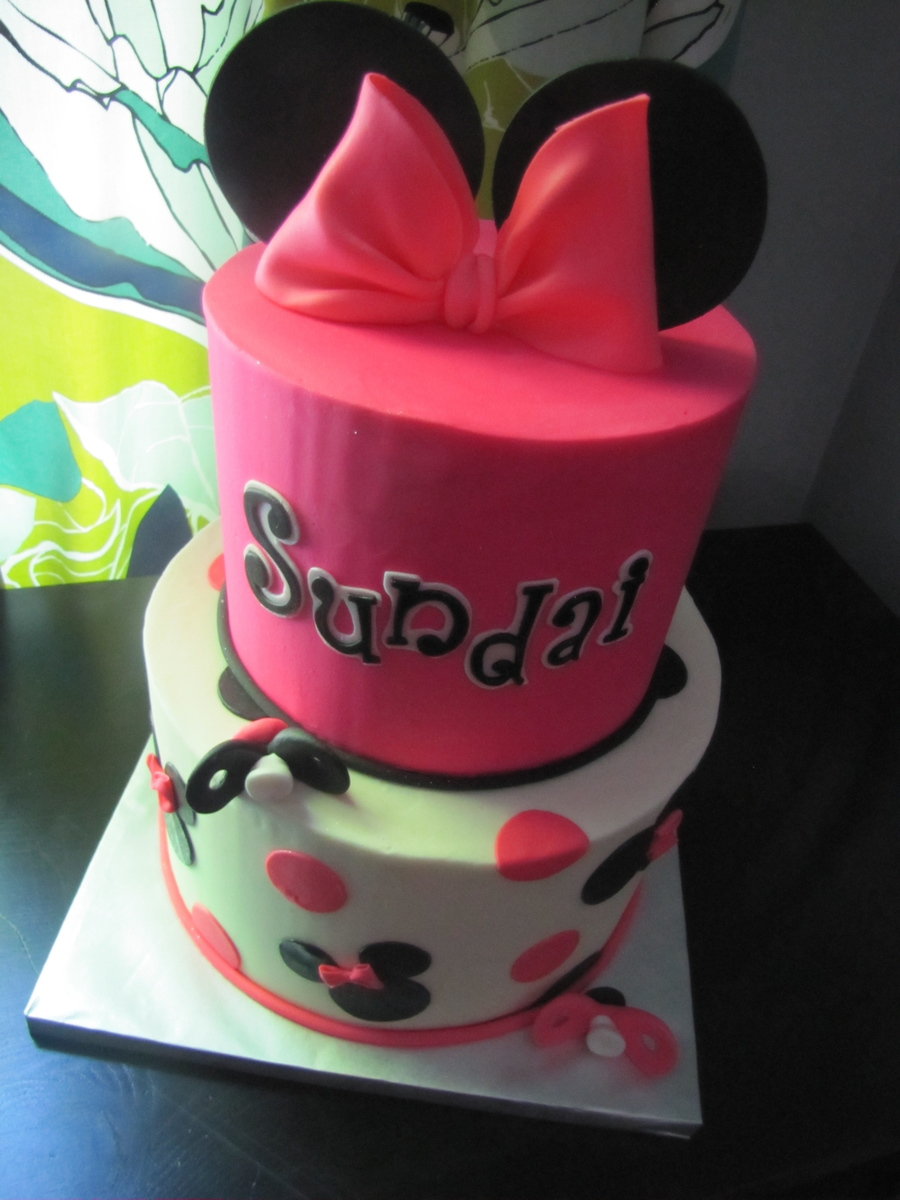 Minnie Mouse Baby Shower Cake! on Cake Central
