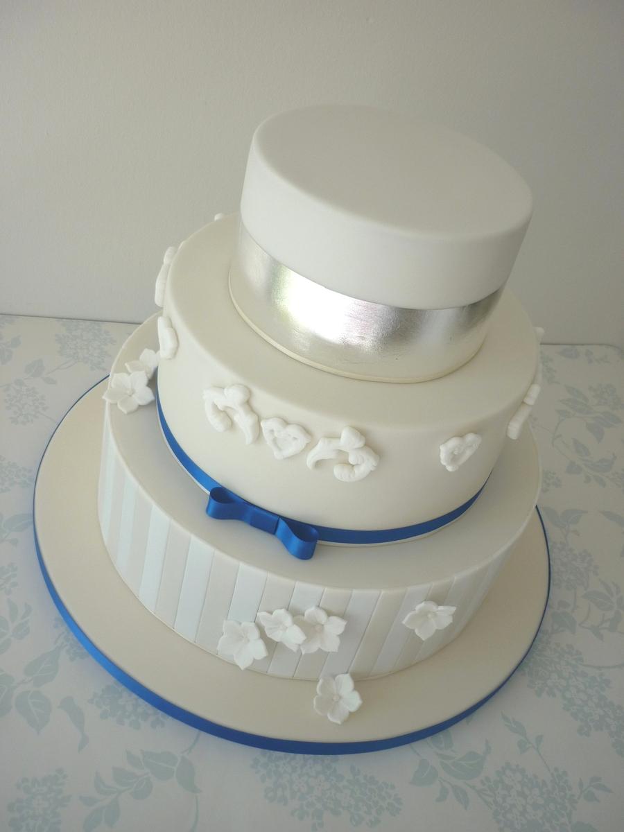 Cakes M Amp