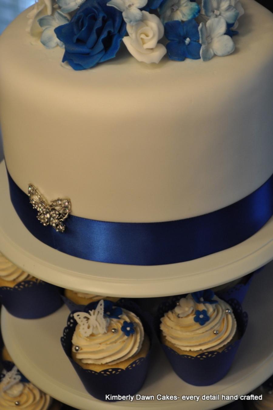 Simple Blue Wedding Cakes Wth Cupcakes