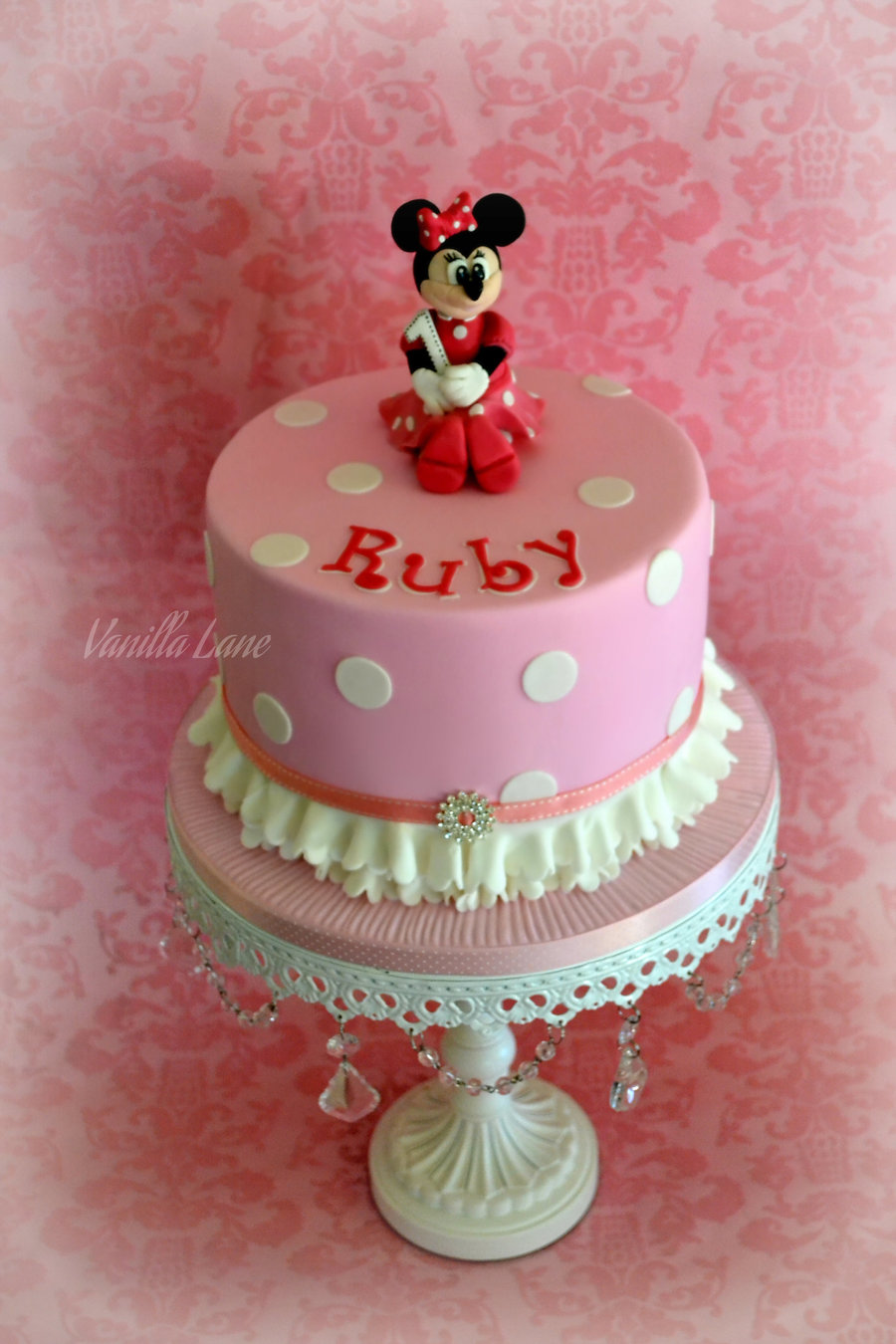 Minnie Mouse Themed 1St Birthday Cake I Love How This Cake ...