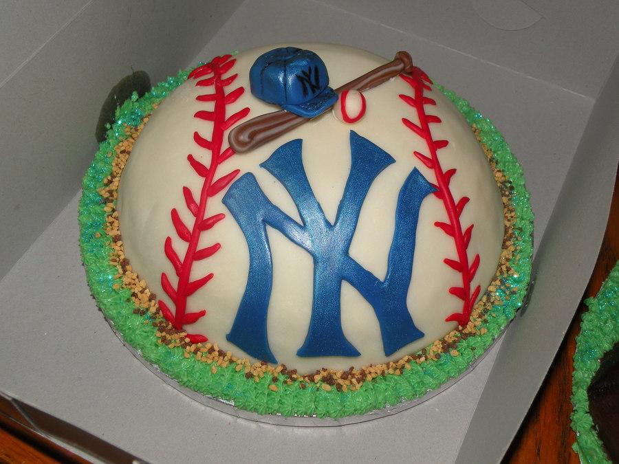 Incredible New York Yankees Birthday Cake Cakecentral Com Funny Birthday Cards Online Benoljebrpdamsfinfo