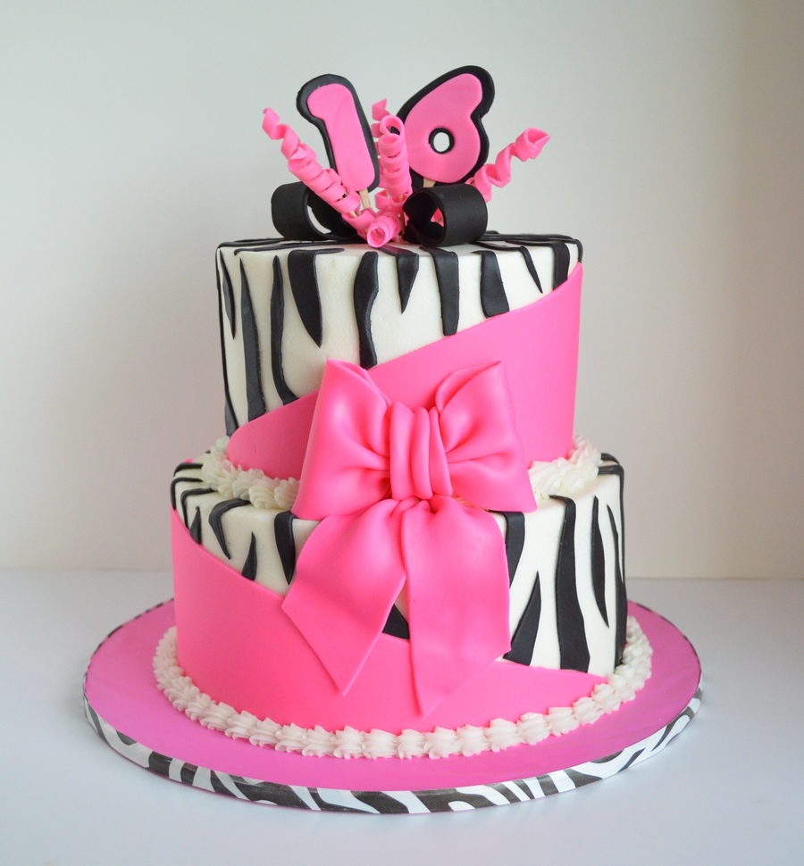 Sweet 16 Topsy Turvy Illusion on Cake Central