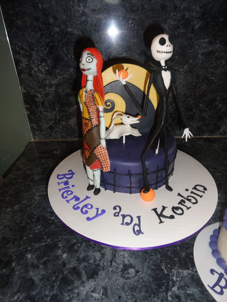 Nightmare Before Christmas Cake They Were Celebrating 3 Birthdays ...