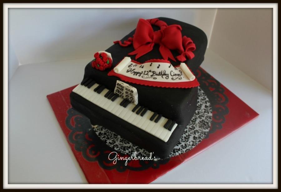 Cake Decorating Ideas Piano : Grand Piano Cake - CakeCentral.com