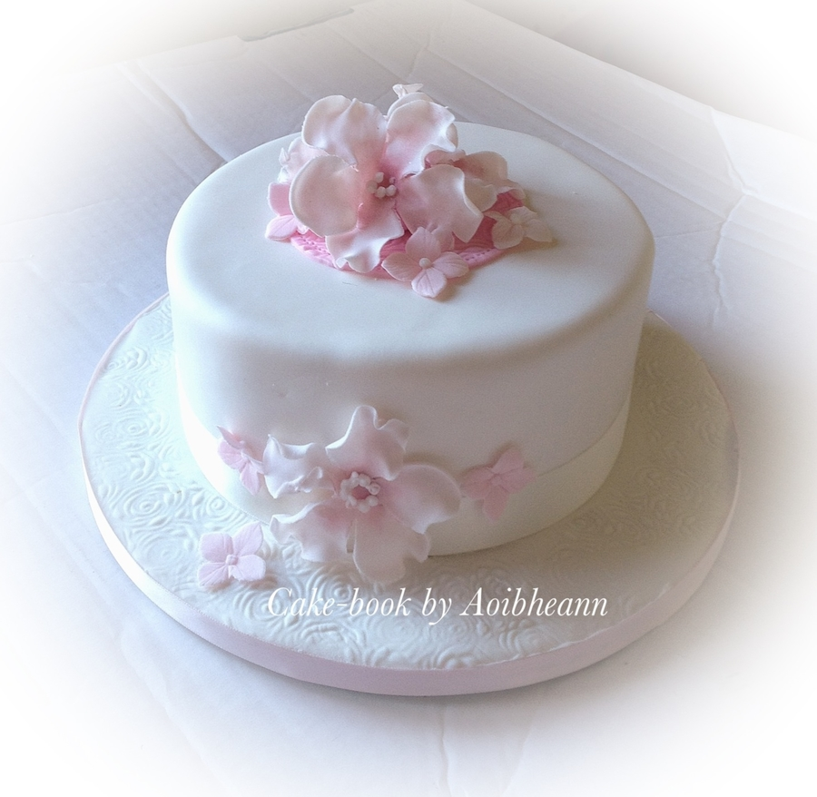 Floral Simplicity on Cake Central