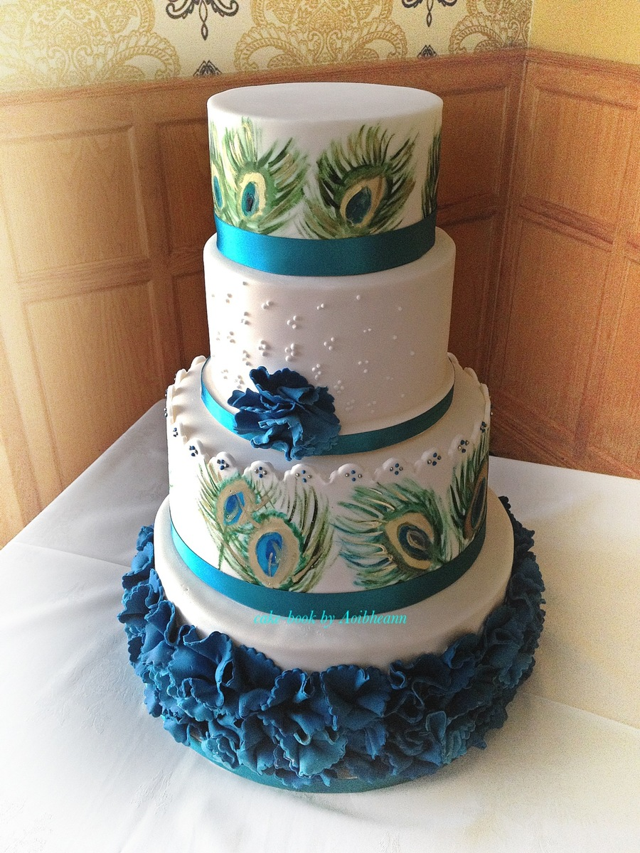 peacock wedding cakes designs peacock themed wedding cake handpainted cakecentral 18160