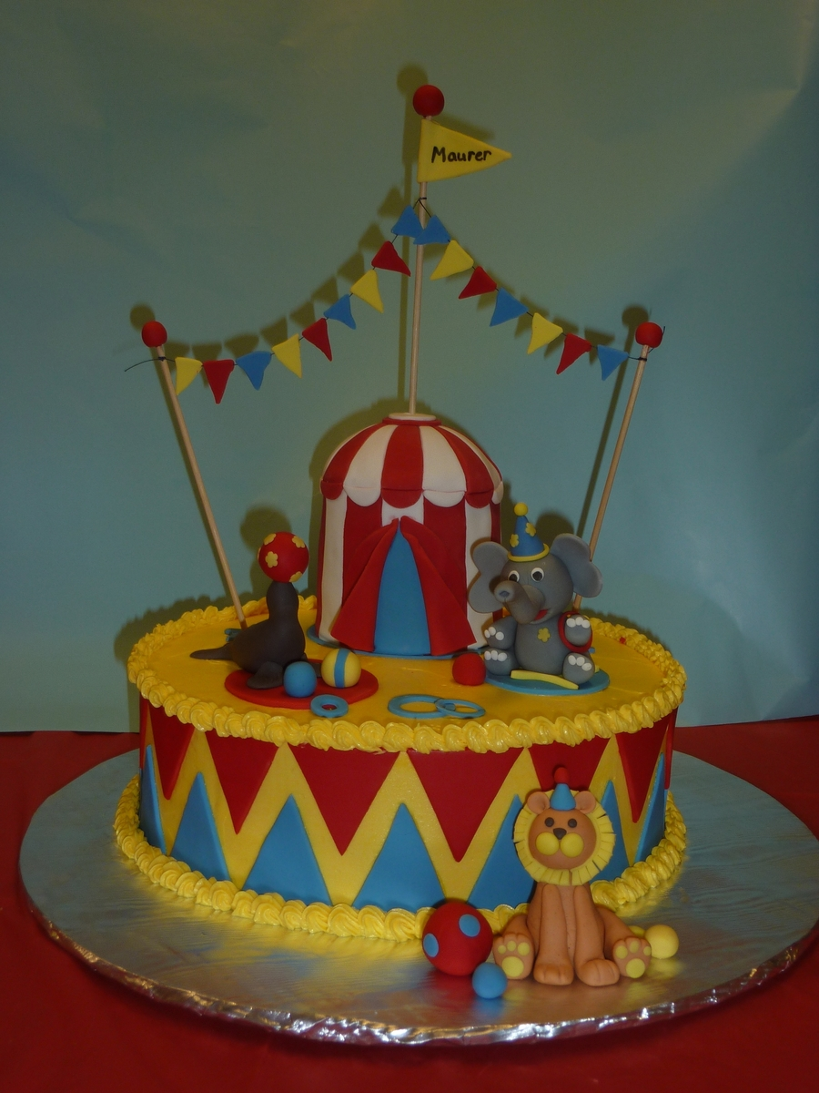 The Maurer Circus  on Cake Central