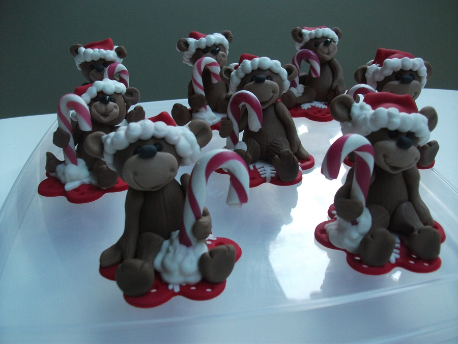 Fondant Christmas Bears With Real Candy Cane Held On With Royal Icing All On A Fondant Plaque on Cake Central