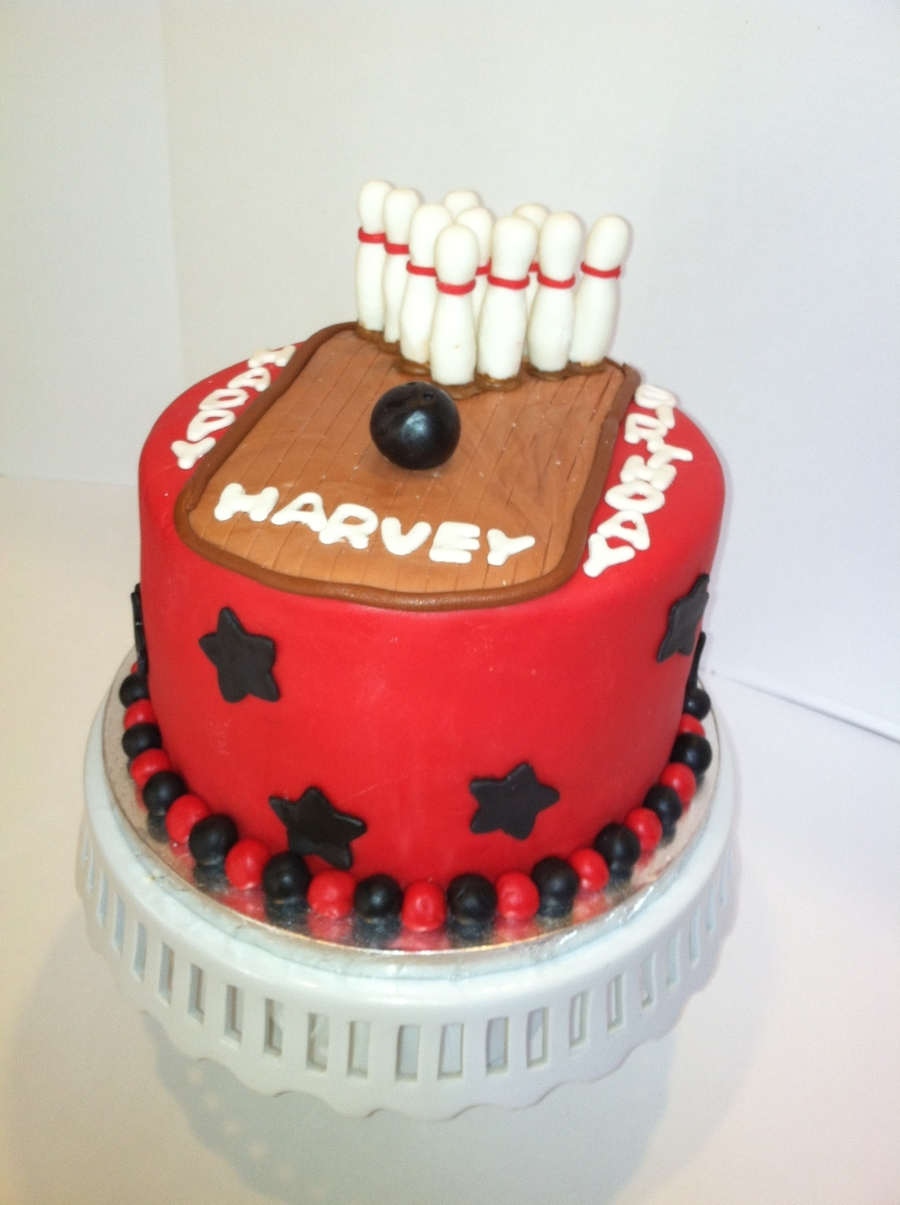Terrific Bowling Birthday Cake Cakecentral Com Personalised Birthday Cards Veneteletsinfo