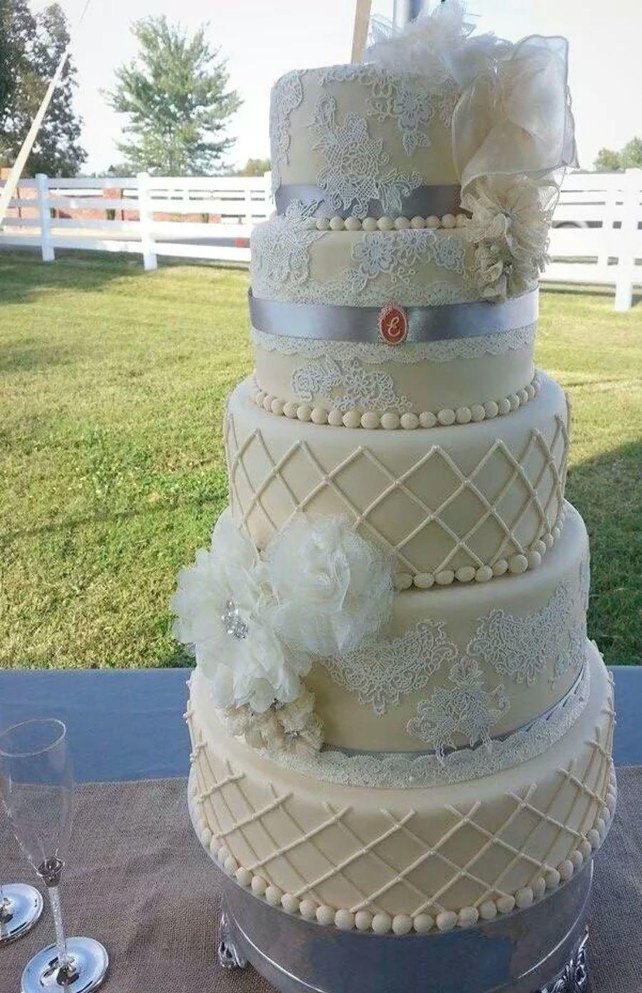 Vintage Lace Wedding Cake Fondant And Sugar Lace ...