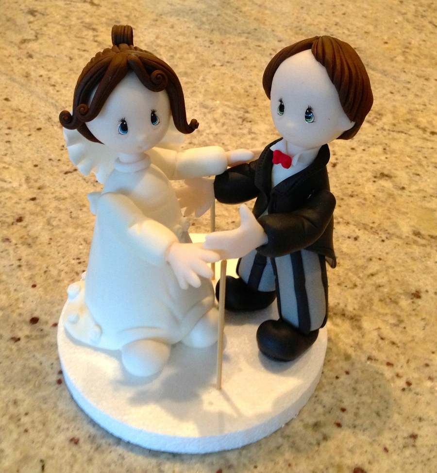 Bride And Groom 3D Figurine... Class With Nancy From Argentina on Cake Central