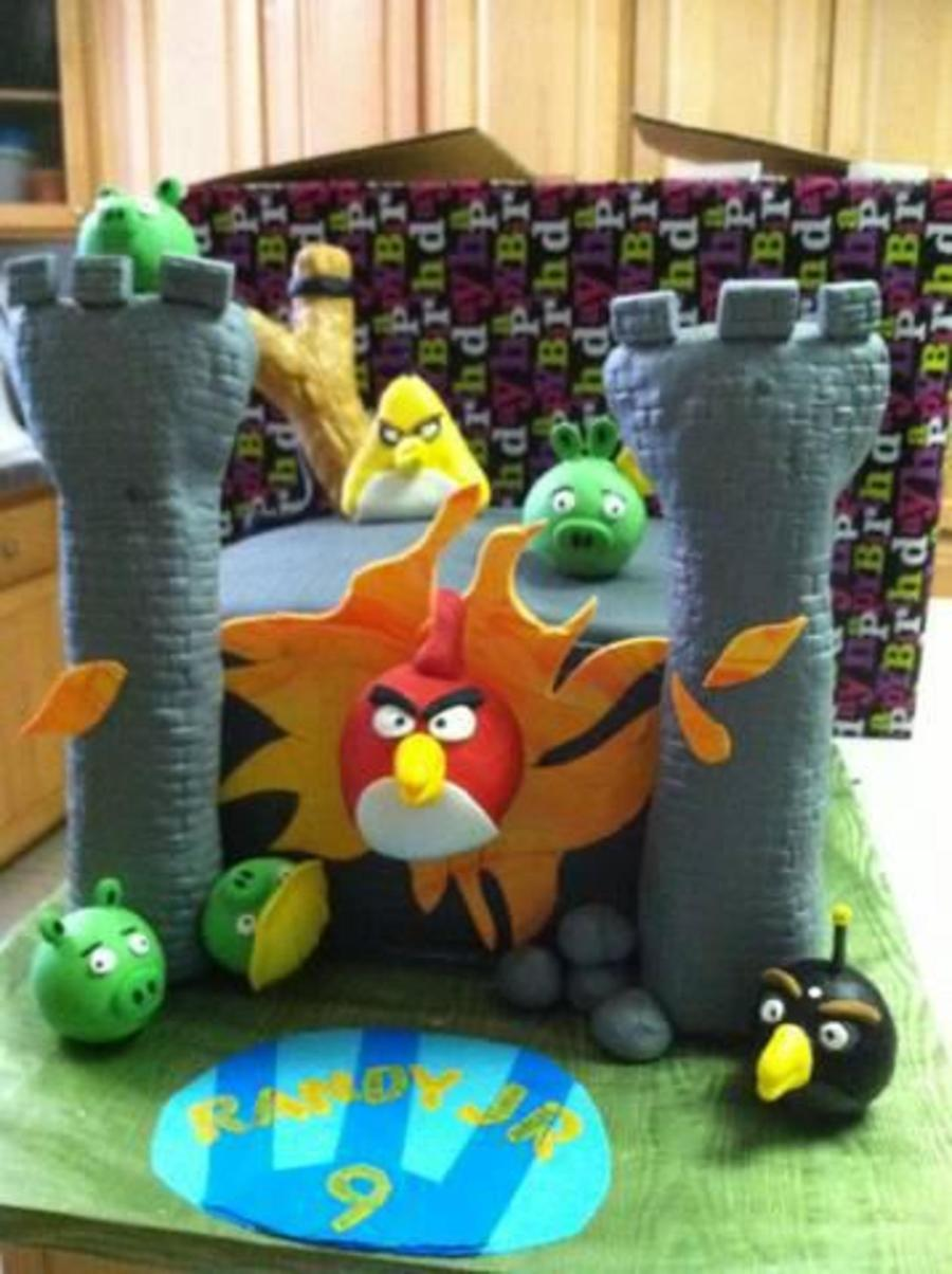 Angry Bird Castle on Cake Central