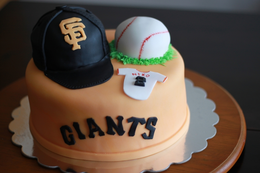 Mini Giants on Cake Central