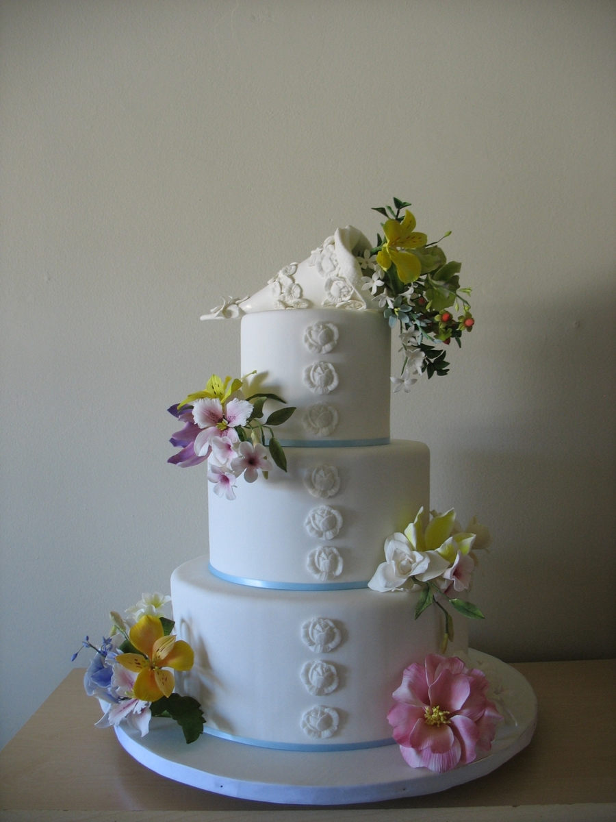 Lots Of Gumpaste Flowers on Cake Central