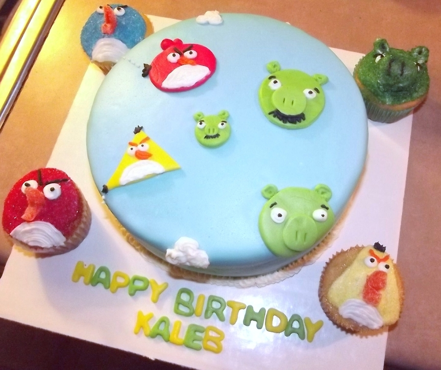 Angry Bird on Cake Central