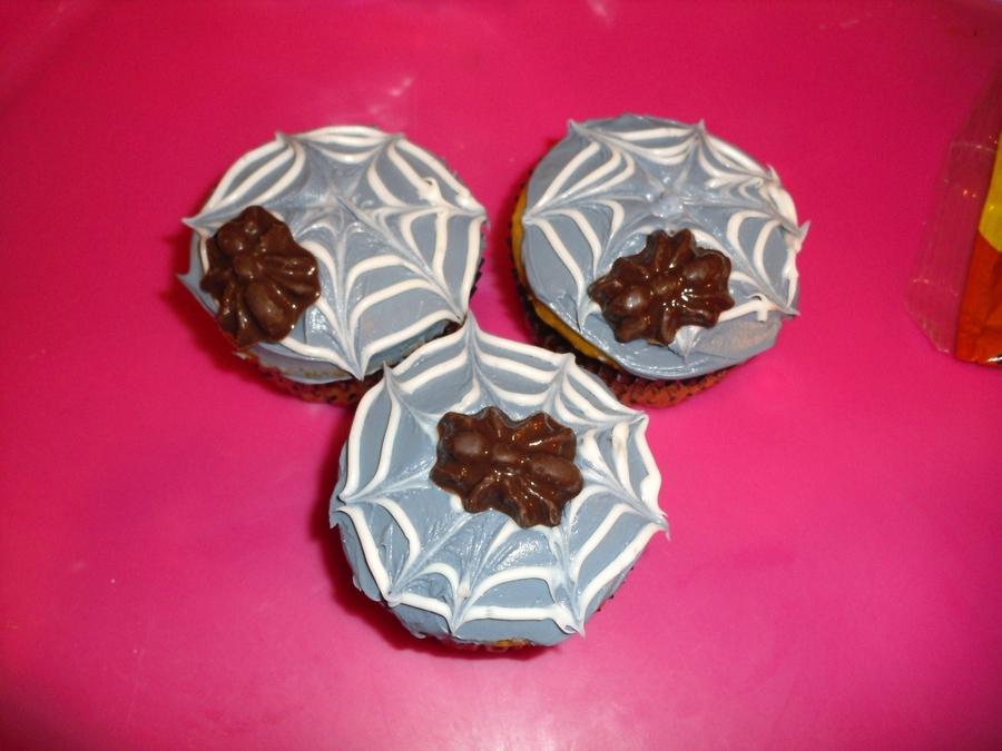 Spiderweb And Spider Cupcake