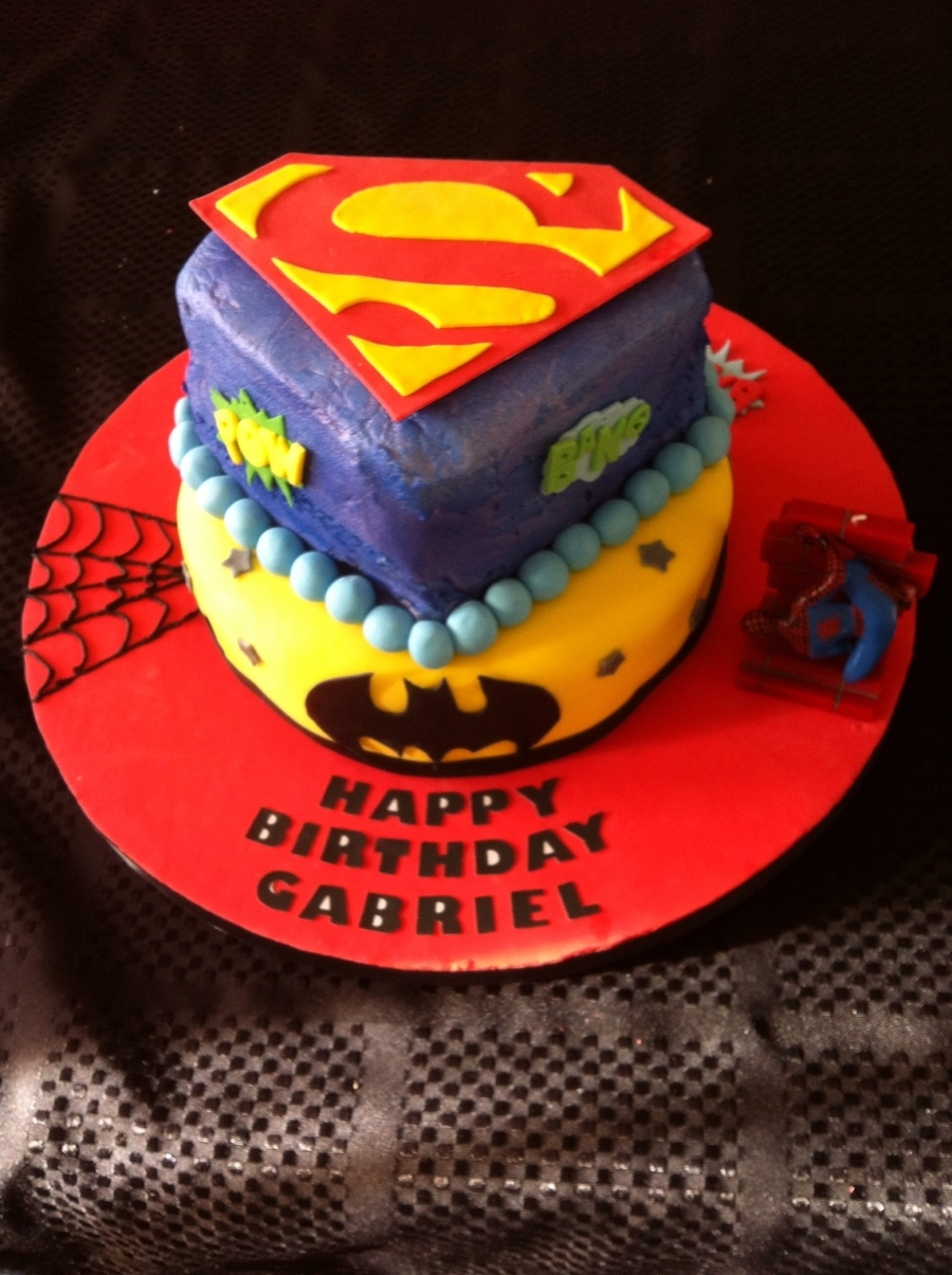 Justice League Birthday Cake - CakeCentral.com