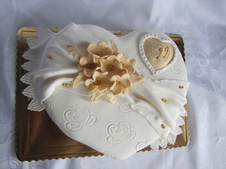 Wedding Heart on Cake Central