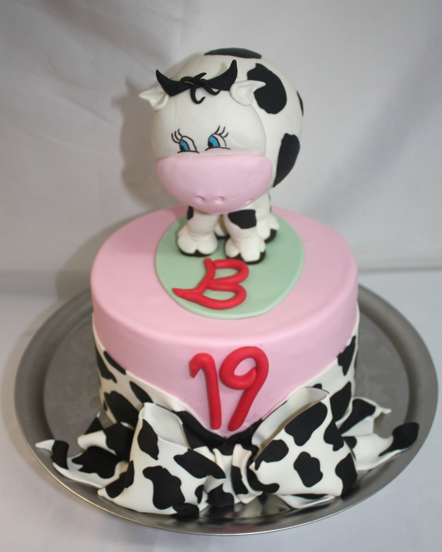 Missy Moo Cow on Cake Central