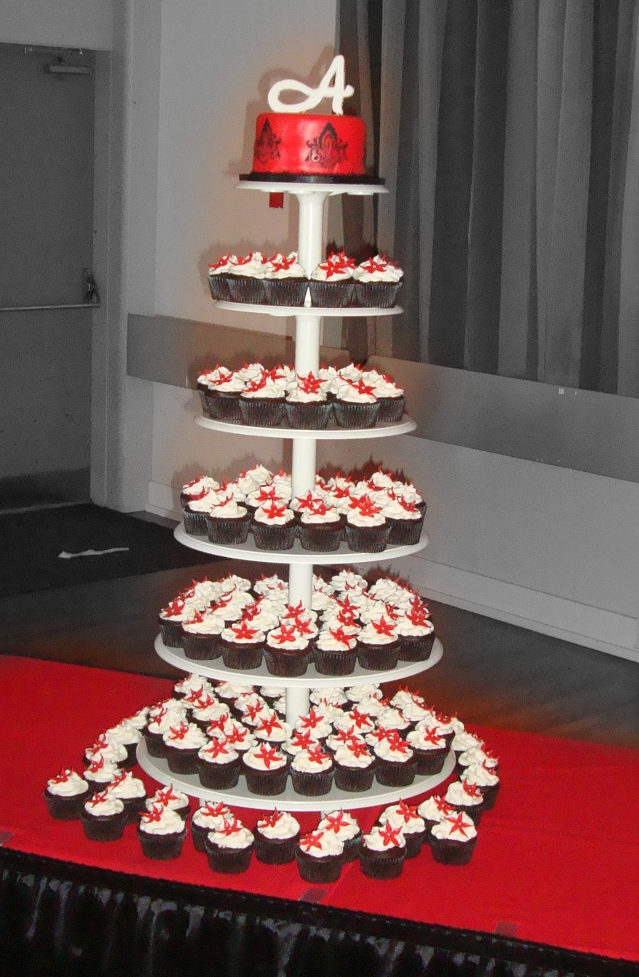 black white red cupcake wedding cakes black and white cupcake tower cakecentral 11908