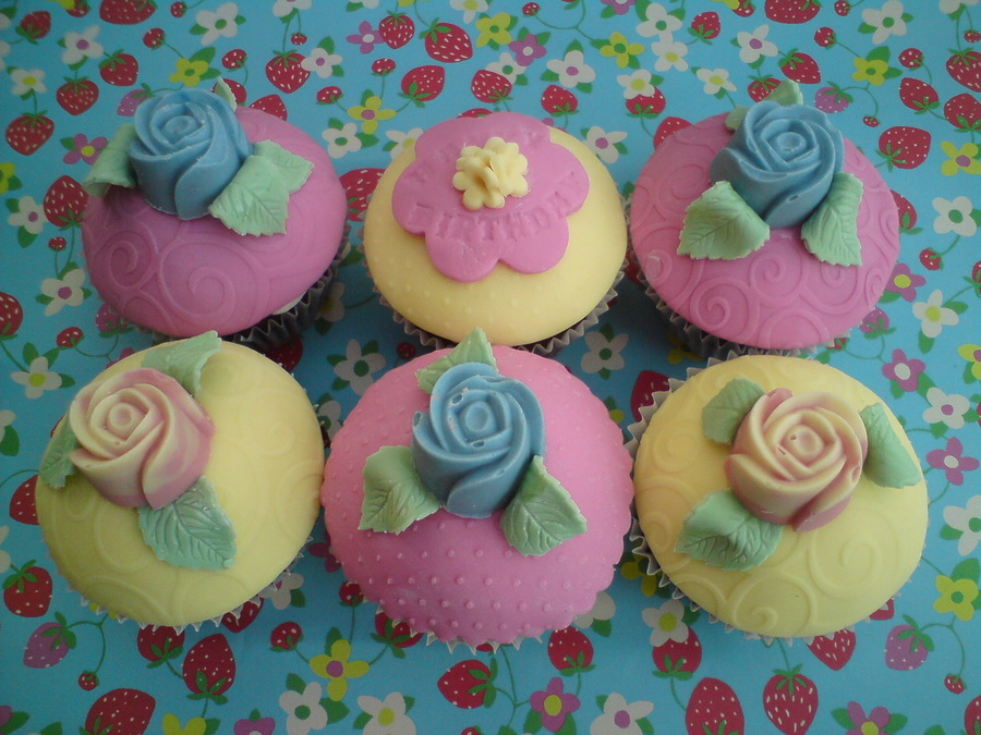Simple Rose Cupcakes  on Cake Central