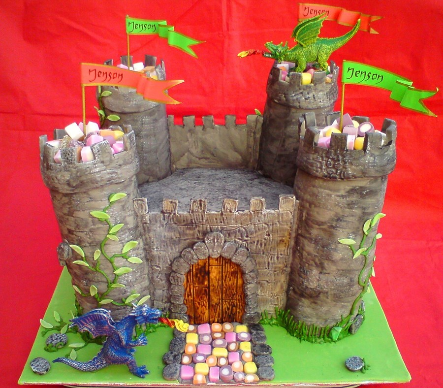 Jenson's Castle on Cake Central