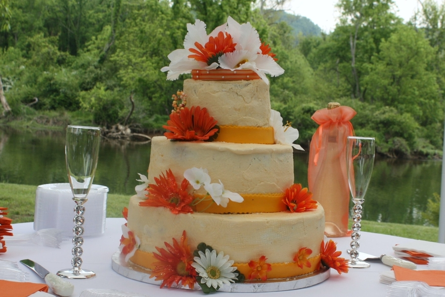 Ut Wedding Cake on Cake Central