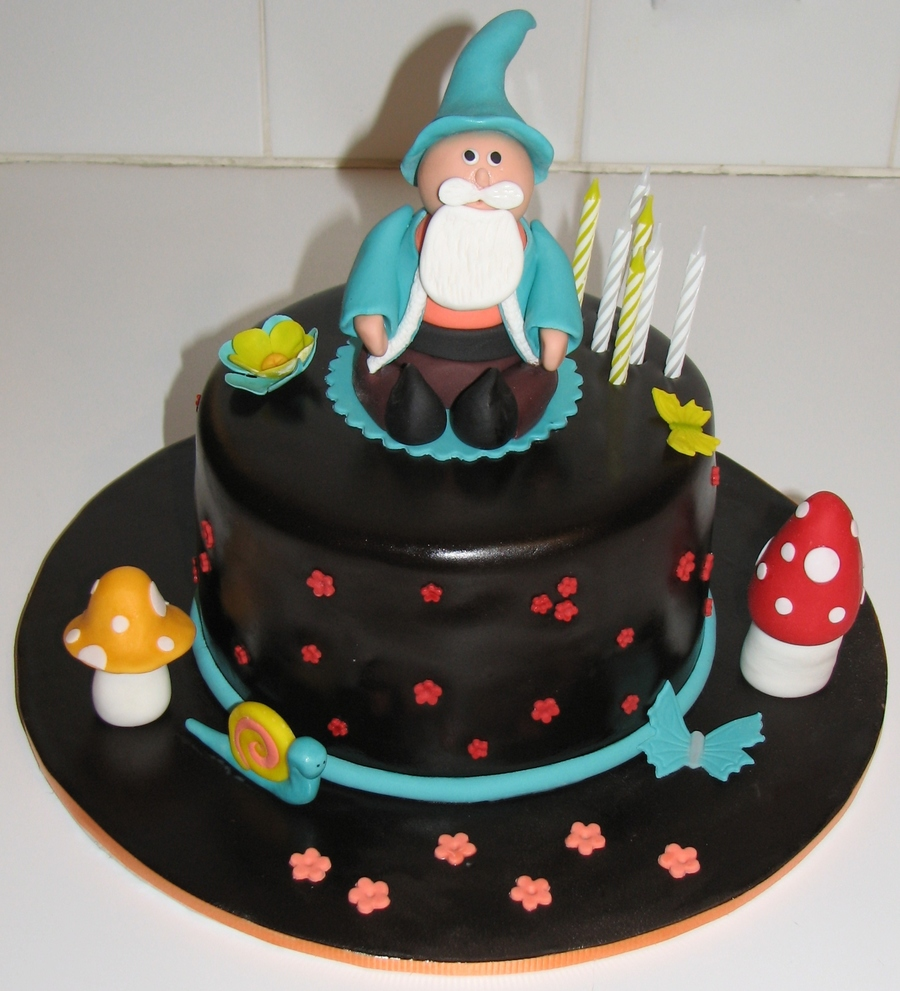 Gnome on Cake Central