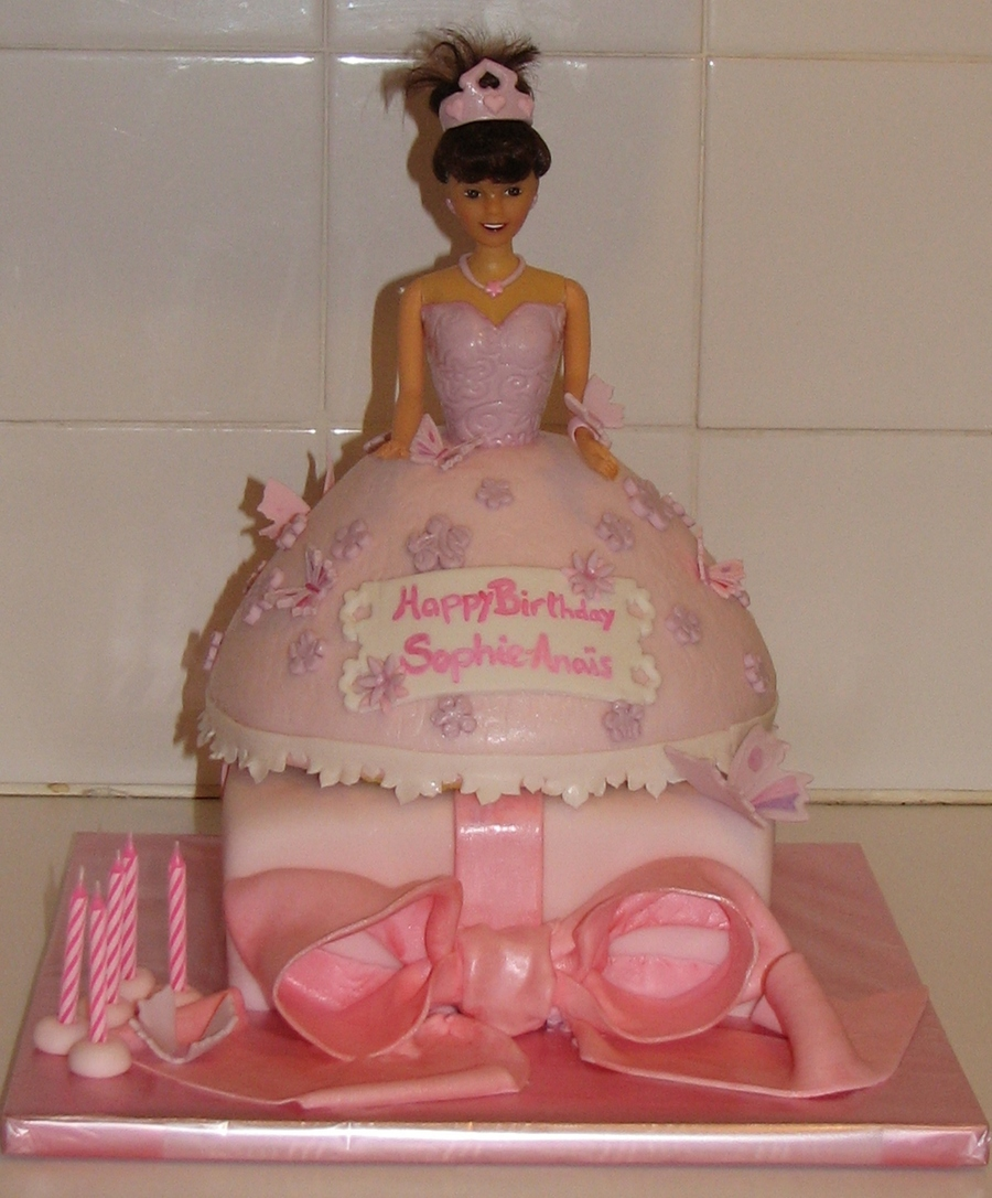 Princess And Gift on Cake Central