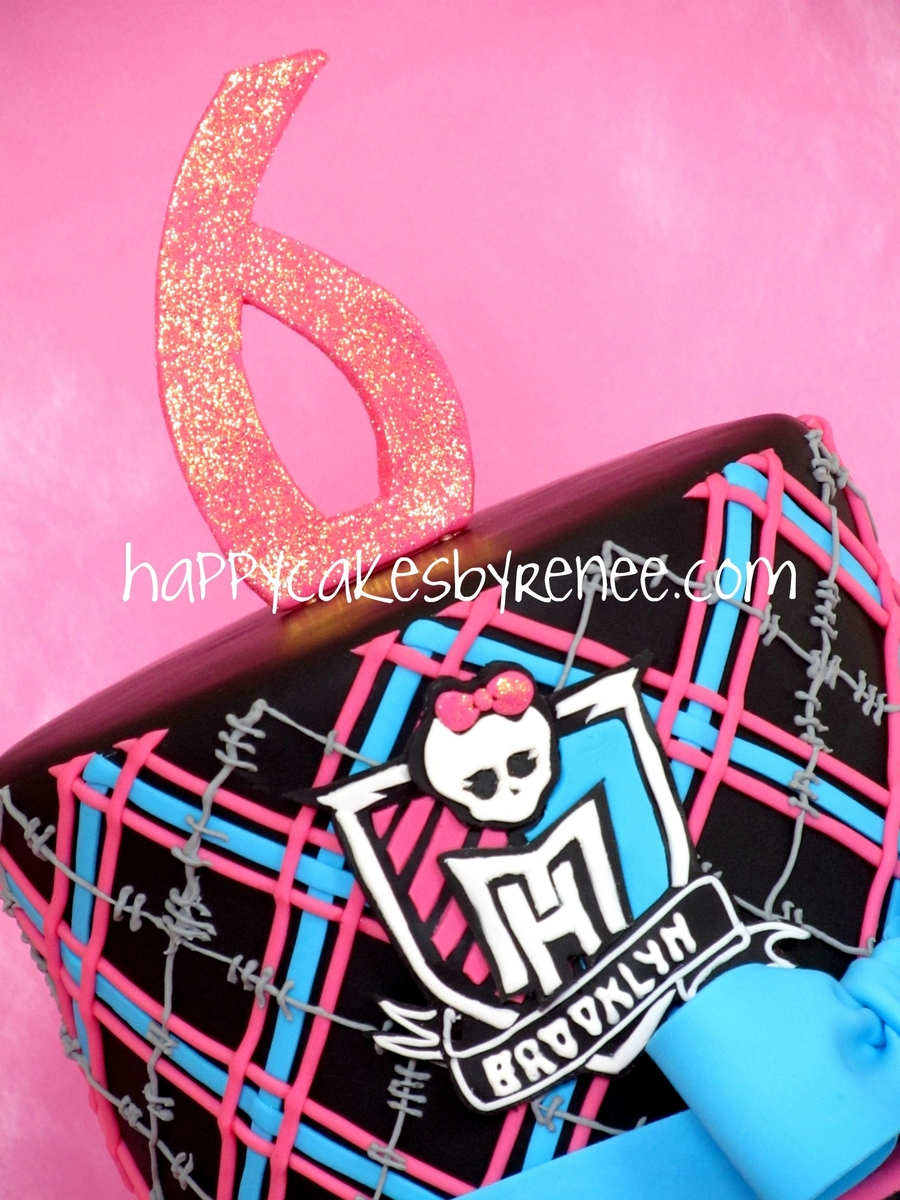 how to make a monster high cake at home