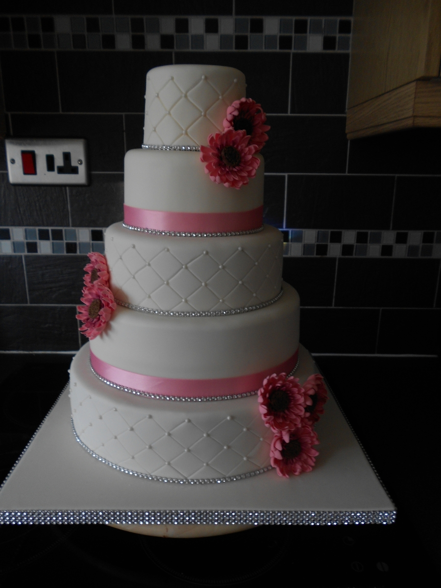 Pink Ivory on Cake Central