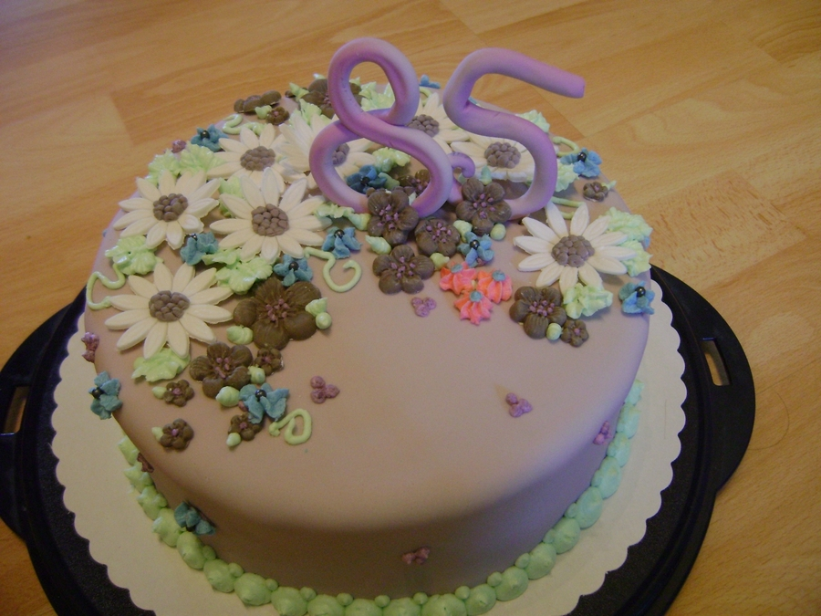 Purple With Flowers on Cake Central