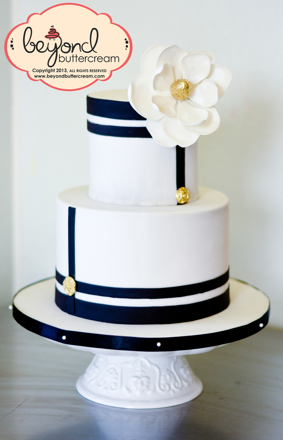 Black And White Modern Cake - CakeCentral.com