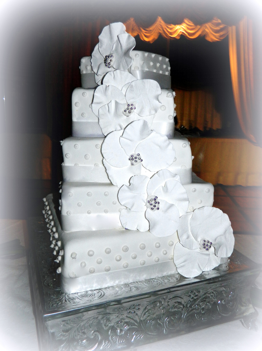 Square Staircase Stacked Wedding Cake Cakecentral Com