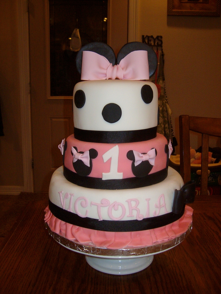 Minnie Cake! on Cake Central