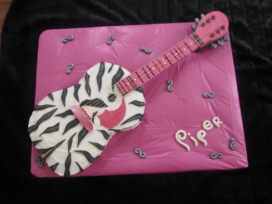Pipers Guitar Cake on Cake Central
