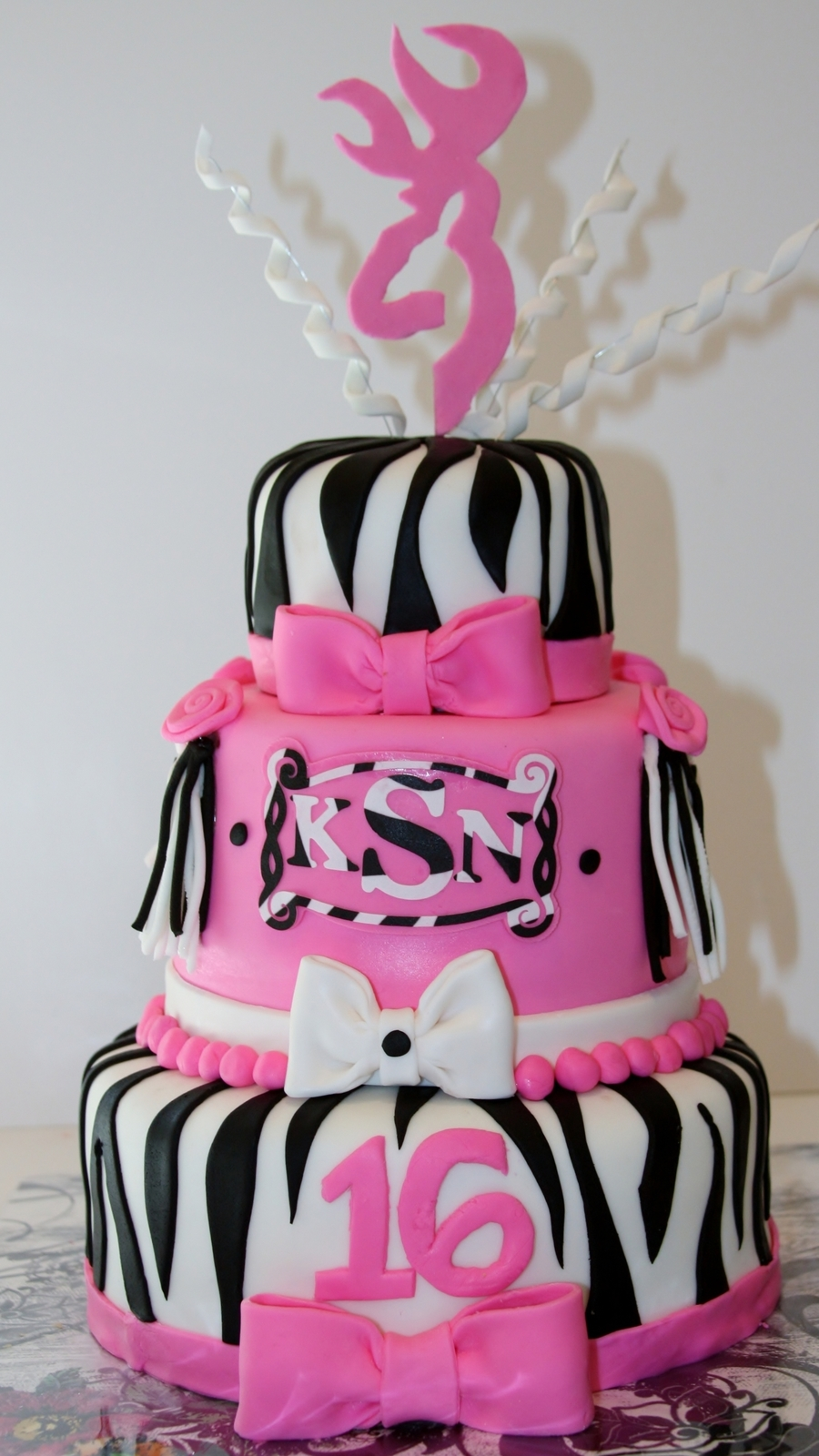Sweet 16 Zebra Amp Pink 3 Tiered Cake Cakecentral Com