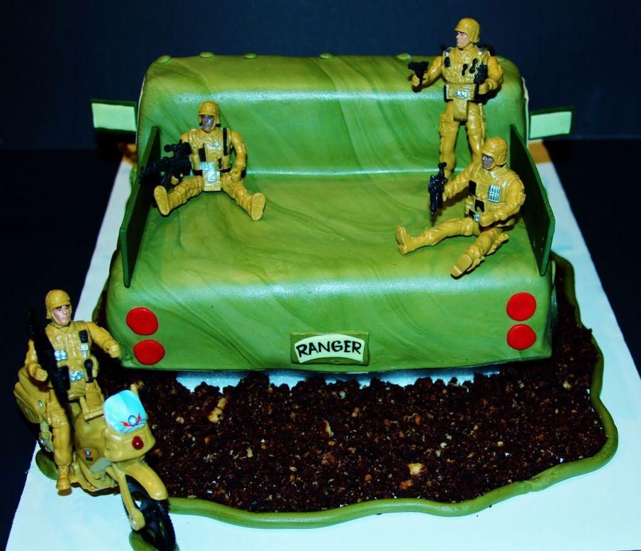 military truck army Birthday Cakes