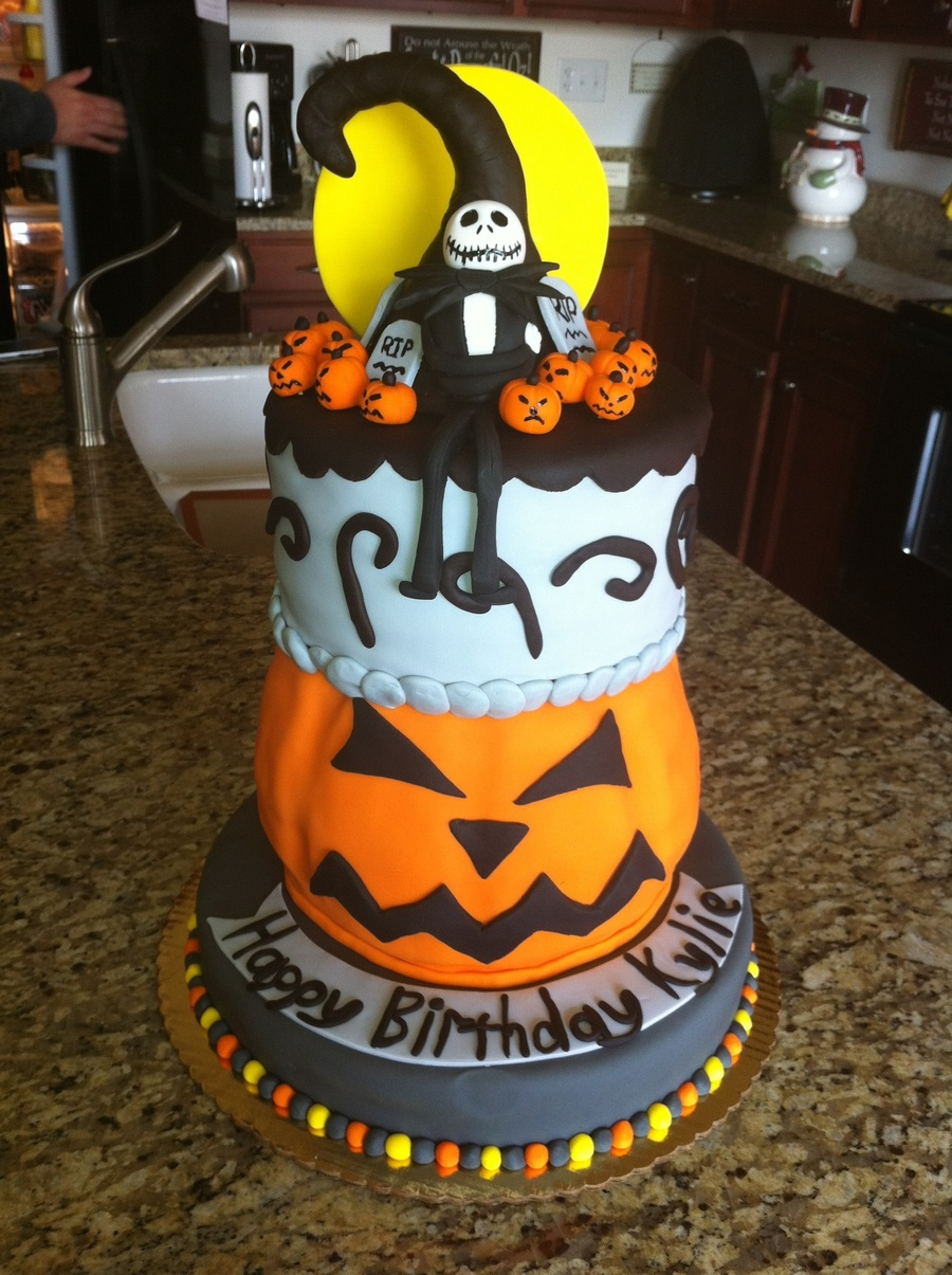 this cake was for a friends daughters 12th birthday her birthday is close to halloween and she loves the nightmare before christmas movie