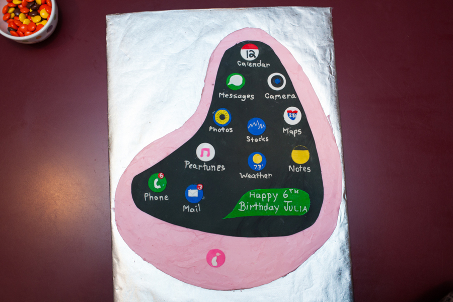 Pear Phone Birthday Cake Cakecentral Com