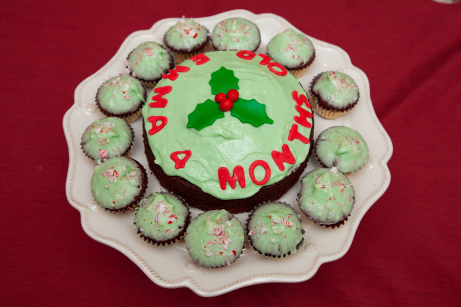 "Christmas Themed ""month"" Day Cake on Cake Central"