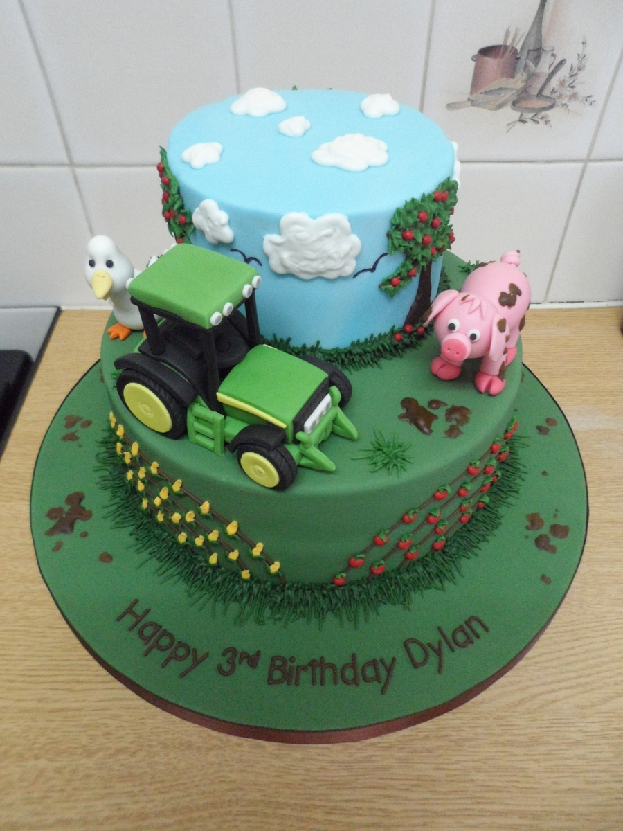 Images Of Tractor Birthday Cake : Tractor/farm Cake - CakeCentral.com