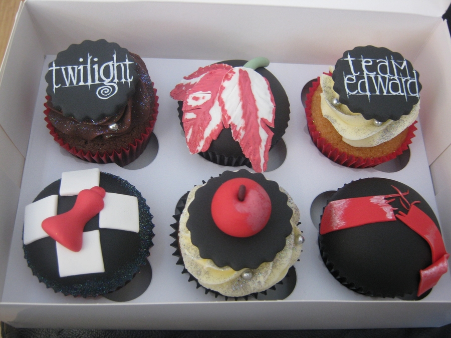 Twilight Cupcakes on Cake Central